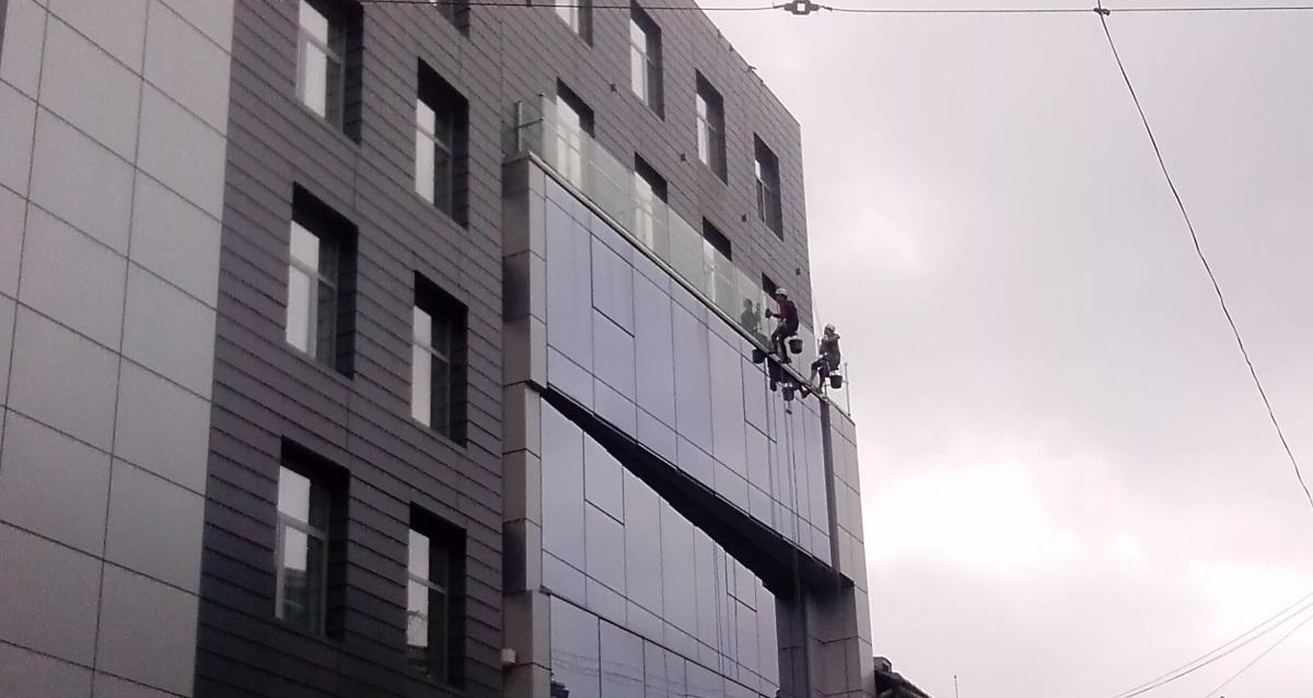 Mycie okien i elewacji. 2016.