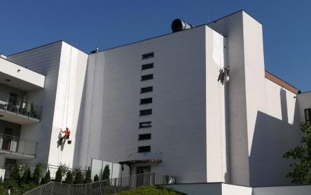 Realizujemy   malowanie elewacji w Warszawie.